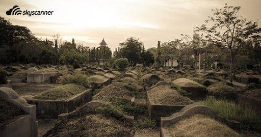 อันดับที่ 5 สุสานศพไร้ญาติ จังหวัดชลบุรี
